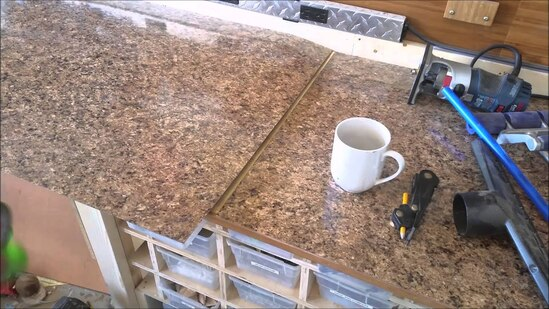 remove laminate from a countertop